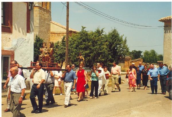 Las dos imagenes en procesión