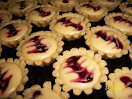 BLUEBERRY CHEESE TART RM25/50Pcs