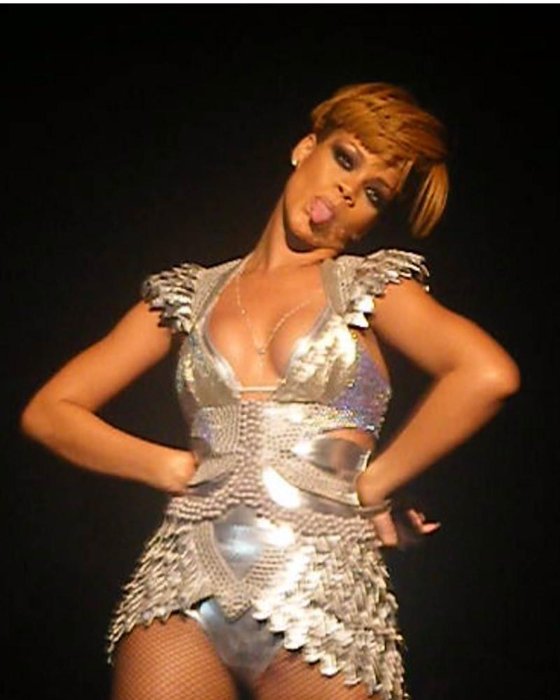 Rihanna camel toe for that