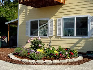 Sequim  Vacation Rental, 1Bd/1Ba apartment with full kitchen, separate entrance +  outdoor sitting
