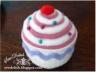 make sew  pin cushion pattern Cupcake Pincushions tutorial