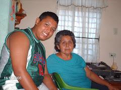 Jesús y su abuela Adalia