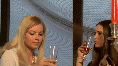 Linda ve Nadine