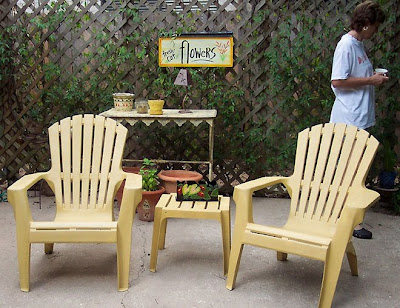 Divasofthedirt,yellow chairs on patio