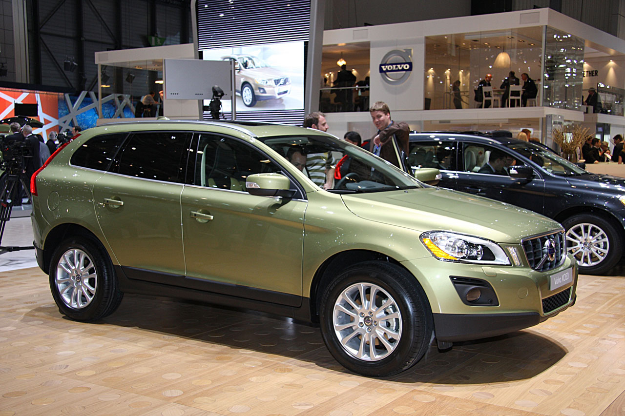 Volvo Launched New Suv Xc60 In India Priced At Rs 39 5