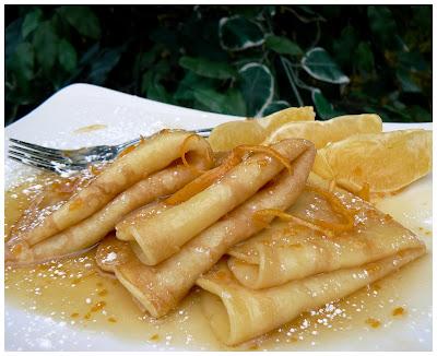 Crêpes avec sauce à l'orange P1420543