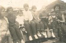 Familia Velásquez con la prima Denis