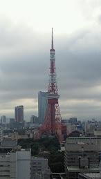梅雨空のタワー