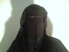 niqab Ouvrir loeil et le bon...