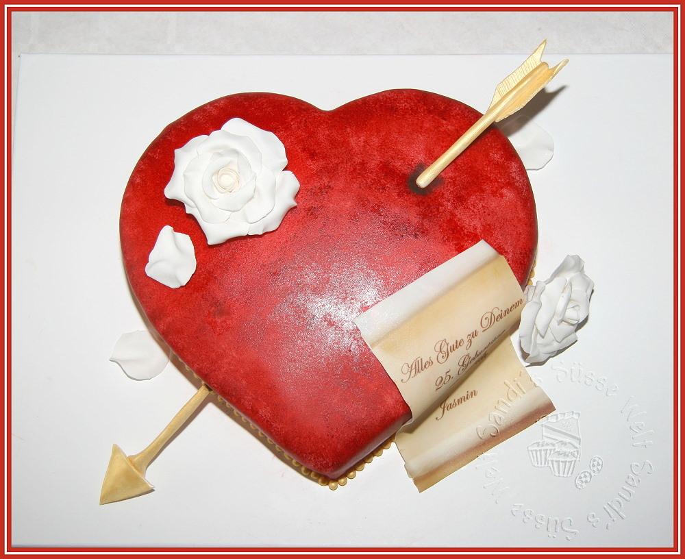 Herz mit pfeil und rosen