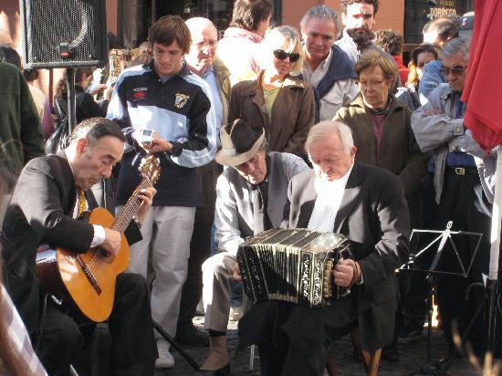 Street concert: Bravo Maestros!!!