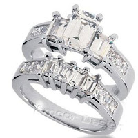 White Gold Emerald cut Diamond ring