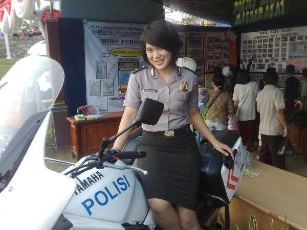 Foto- Foto Polwan - Polwan Indonesia Yang Modis dan Cantik