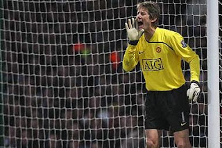 edwin van der sar want new contract manchesterunited-fansclub.blogspot.com
