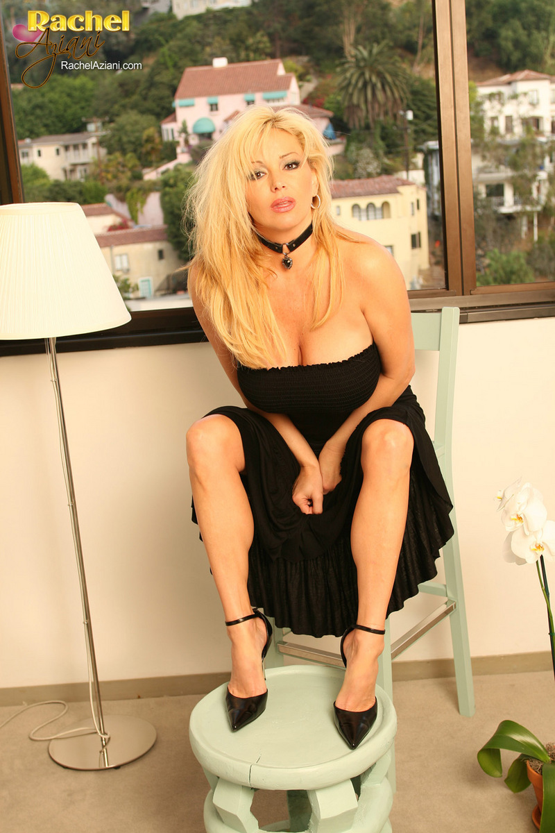 Rachel Aziani hot picture