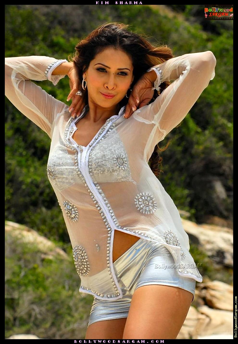 Kim Sharma sexy foto