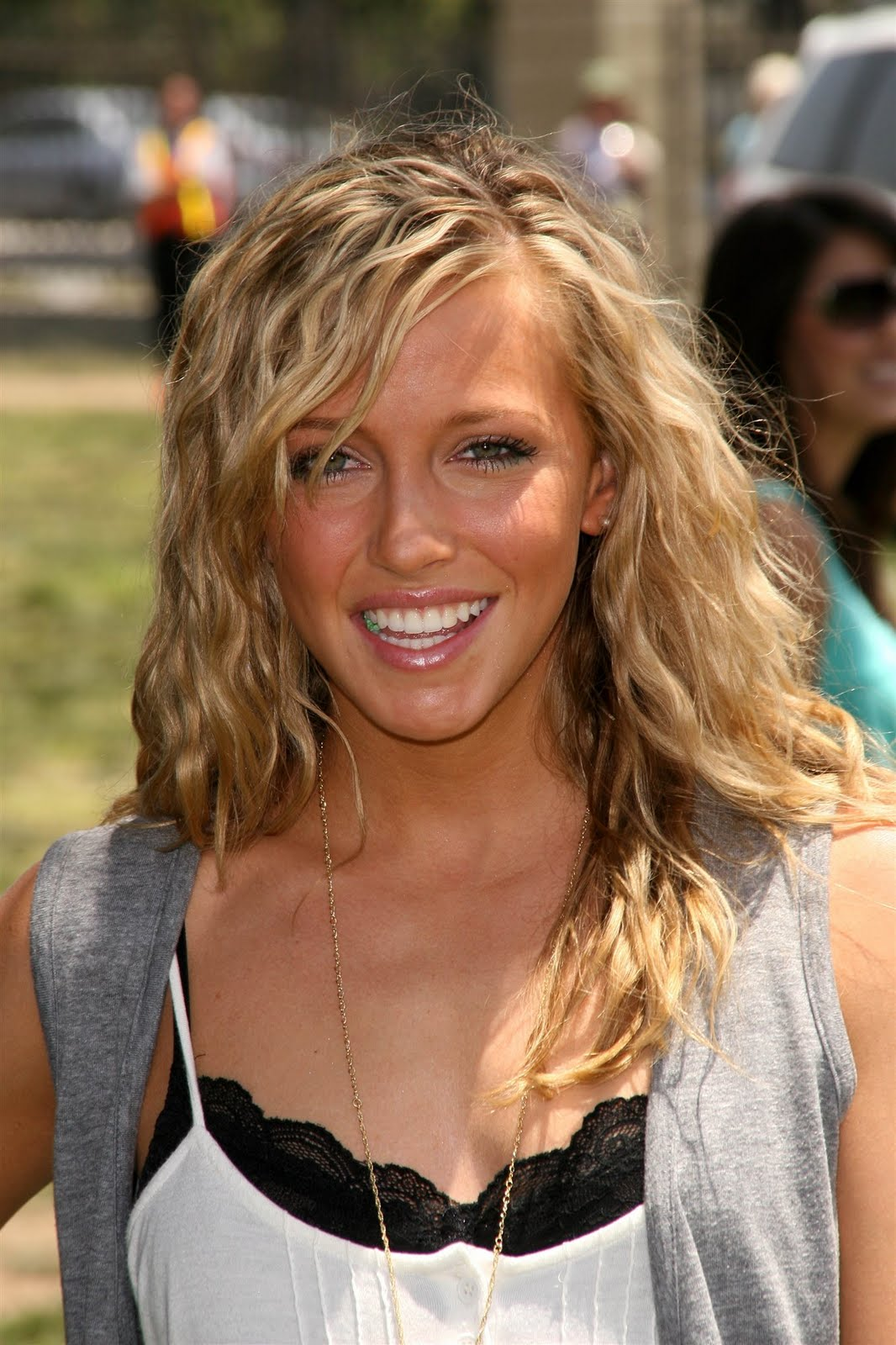 Katie Cassidy hot picture