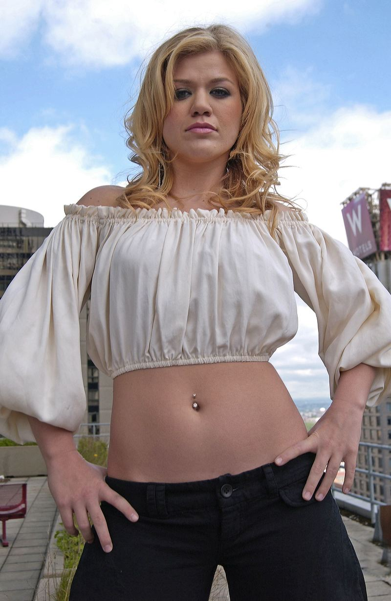 Kelly Clarkson Sexy Pics, Kelly Clarkson Hot Photo Gallery