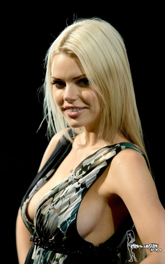 Sophie Monk hot photo