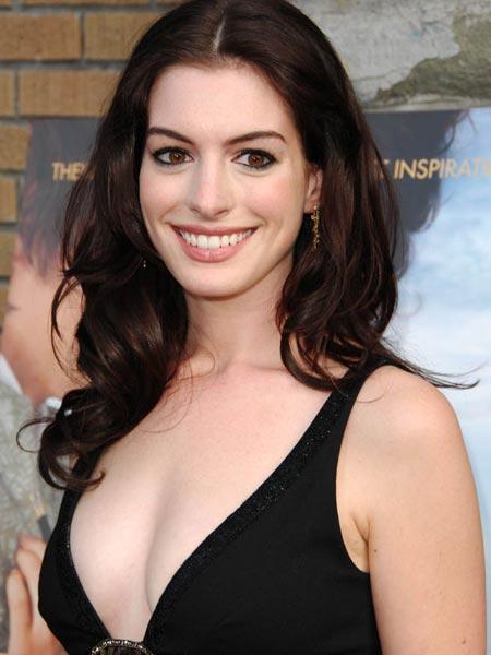 Anne Hathaway sexy foto