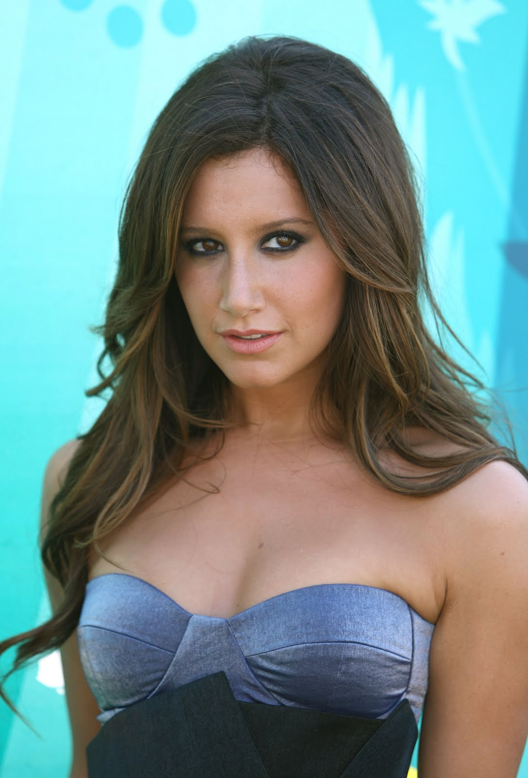 Ashley Tisdale sexy foto