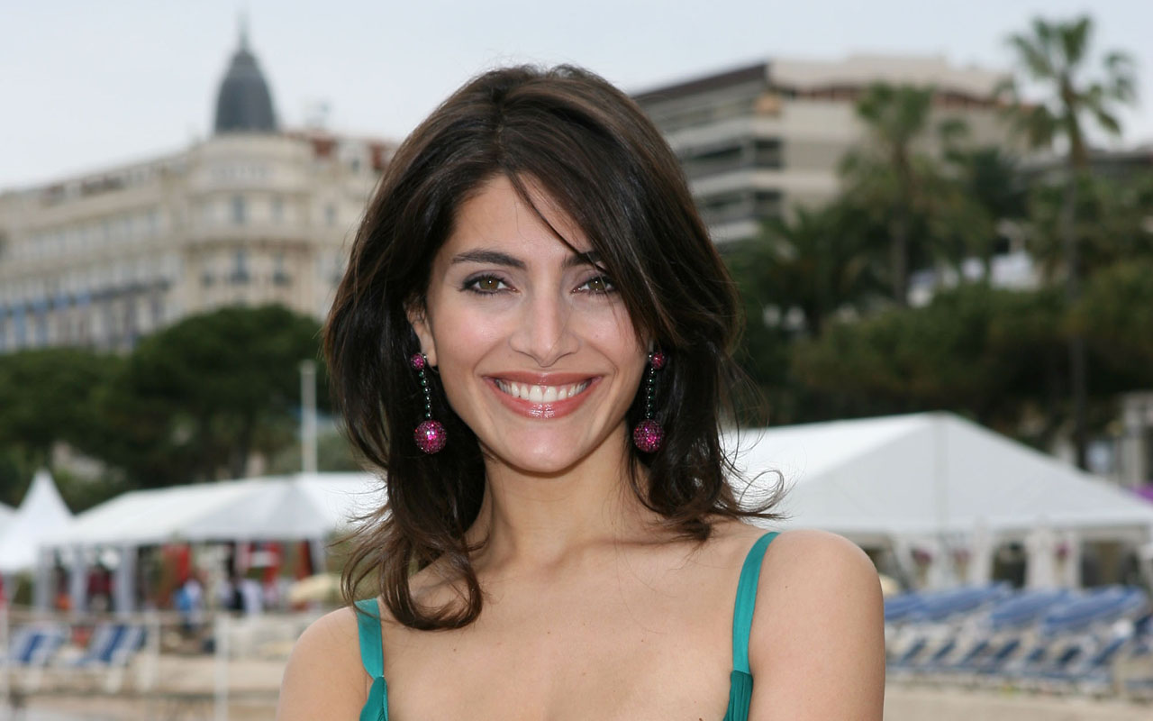 Caterina Murino hot photo