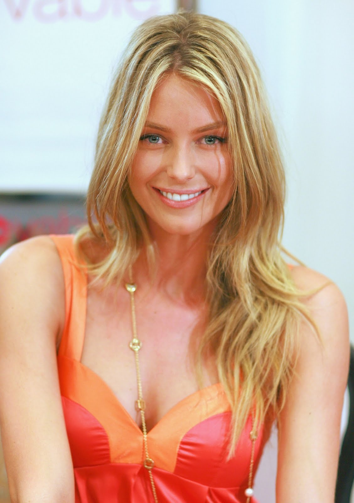 Jennifer Hawkins Hot Photo