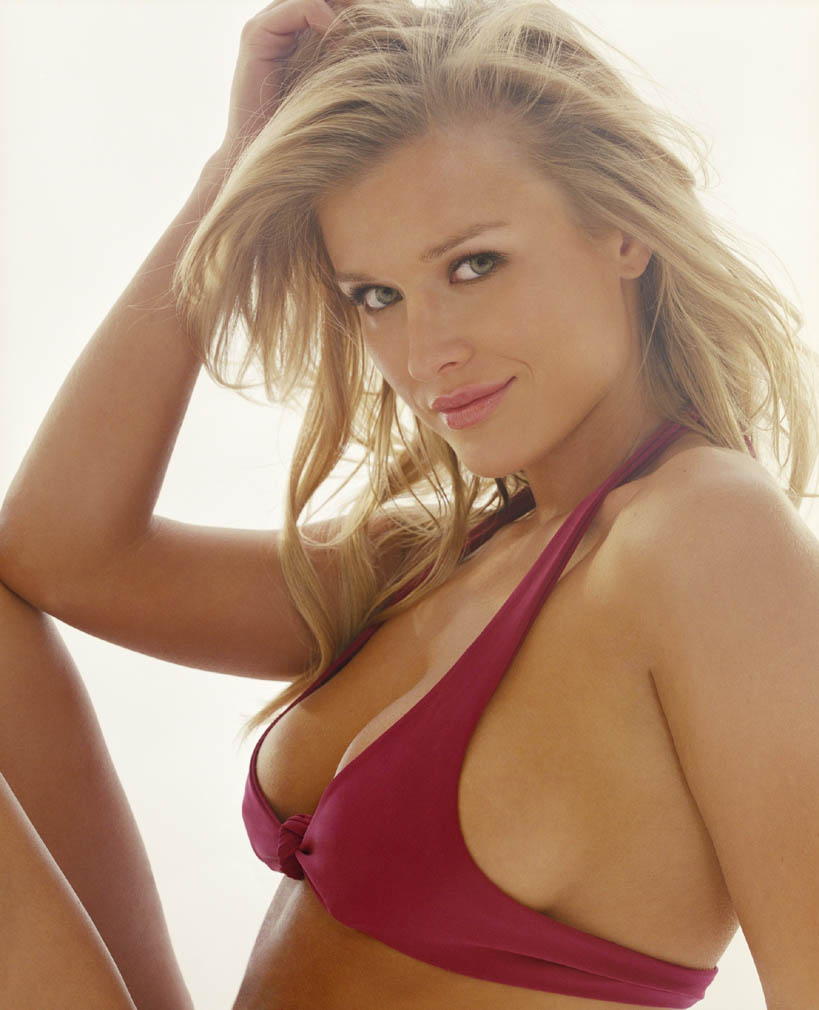 Joanna Krupa Hot Photo