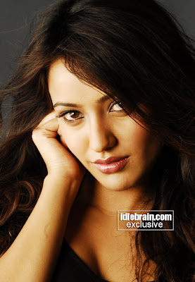 Neha Sharma sexy foto