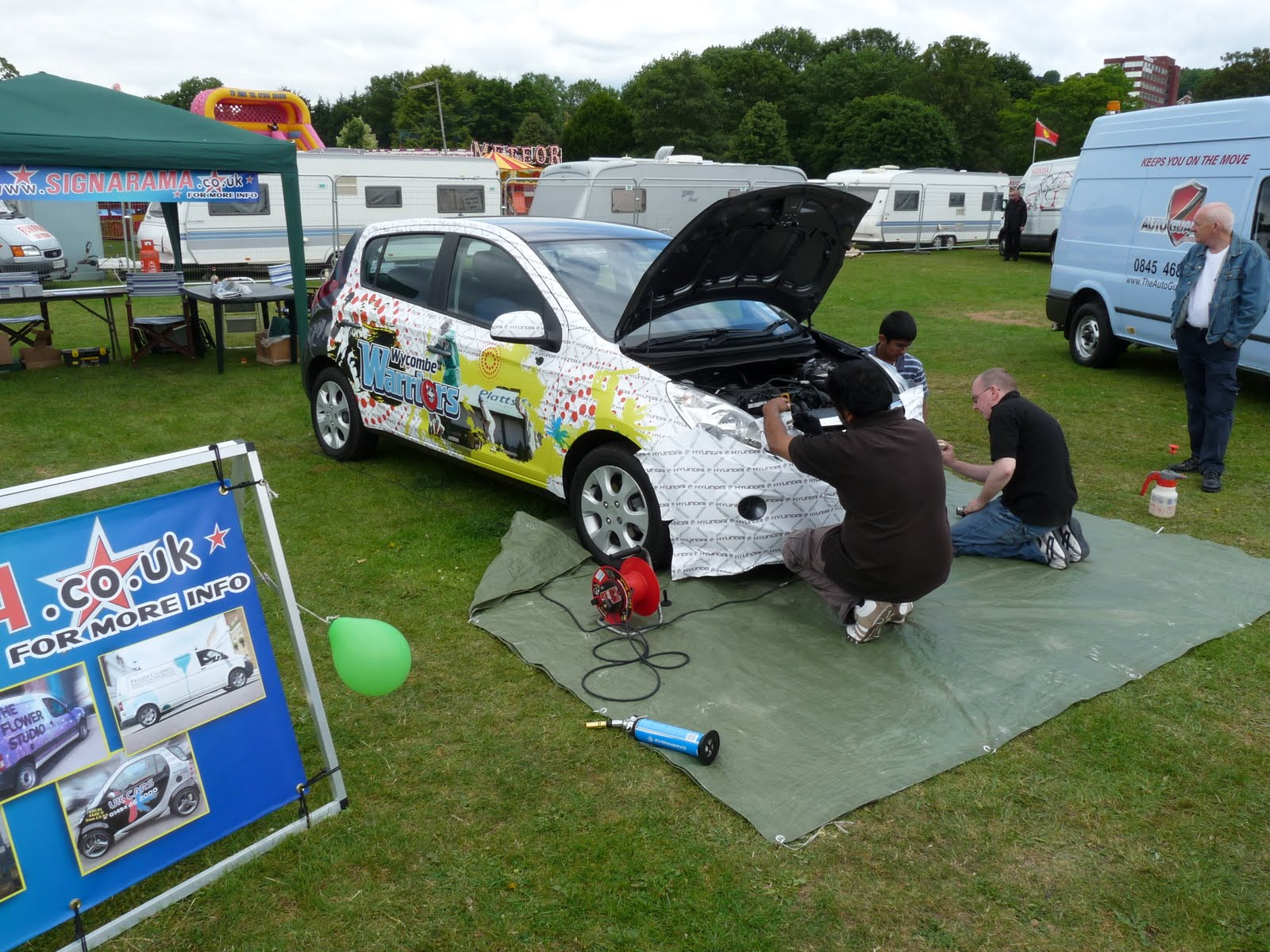 Platts hyundai used car dealership in high wycombe - On Another Stand High Wycombe Based Sign Writers Sign A Rama Showed Their Prowess By Wrapping A Hyundai I20 Supplied By Platts To High Wycombe Cricket Club