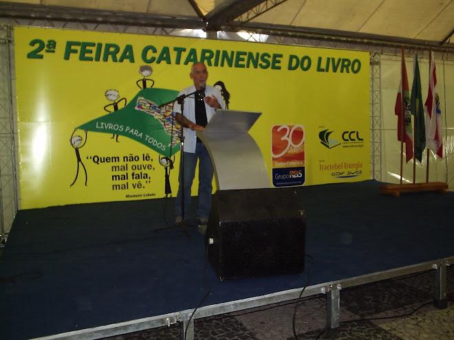 Na Feira do Livro de Florianópolis - Maio de 2009