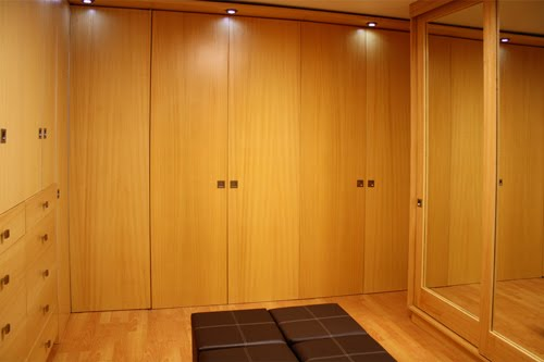 Closets y vestidores for Disenos de closets sencillos