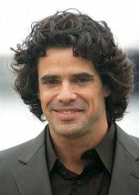 http://2.bp.blogspot.com/_6stJcDsqfwU/SJl76ZhFciI/AAAAAAAAB3g/qGmHF8Ngmsk/s400/Luciano+castro+sin+barba.jpg