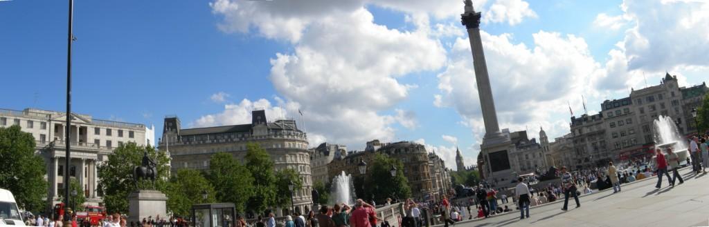 [Panorama+Trafalgar+Square.JPG]
