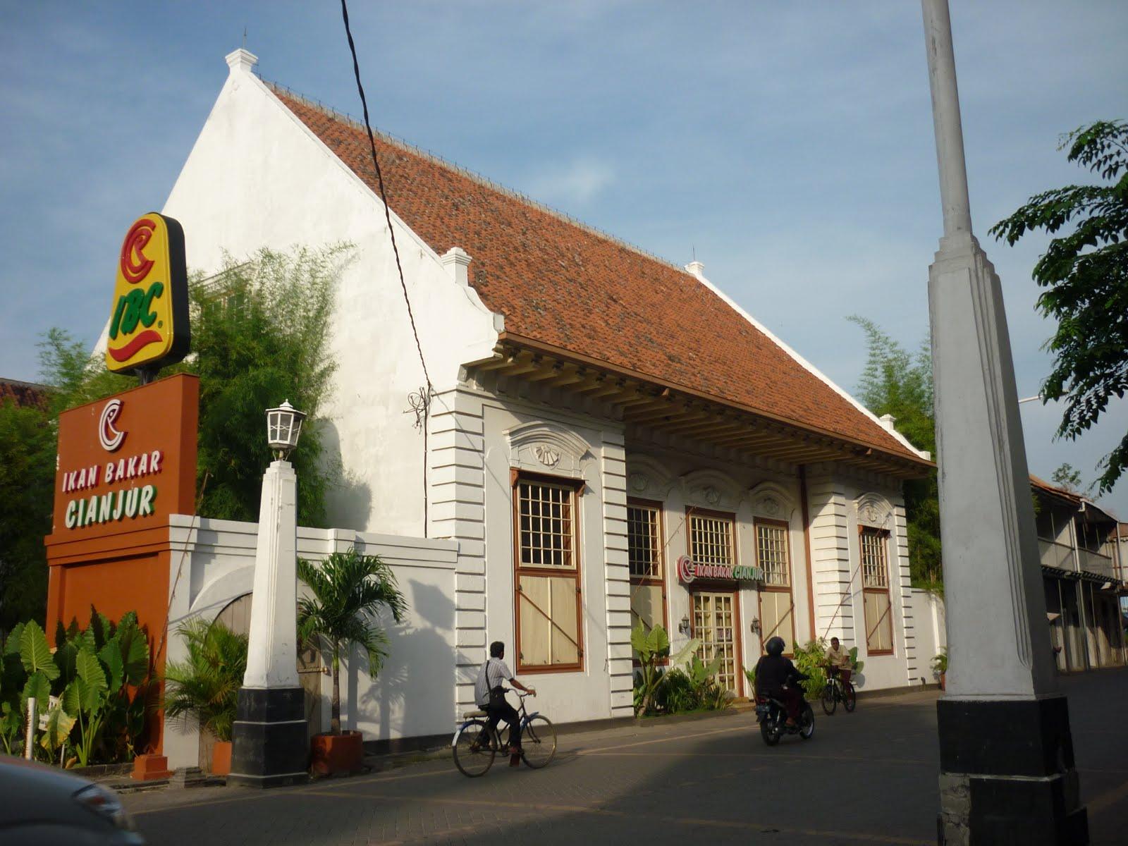 rumah belanda di indonesia