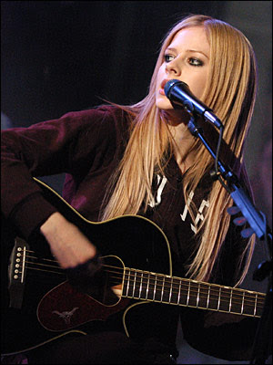 avril_lavigne-pose_pictures