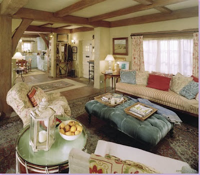 Site Blogspot  Country Cottage Living Room Furniture on The Ruffled Nest  I Need More Homes