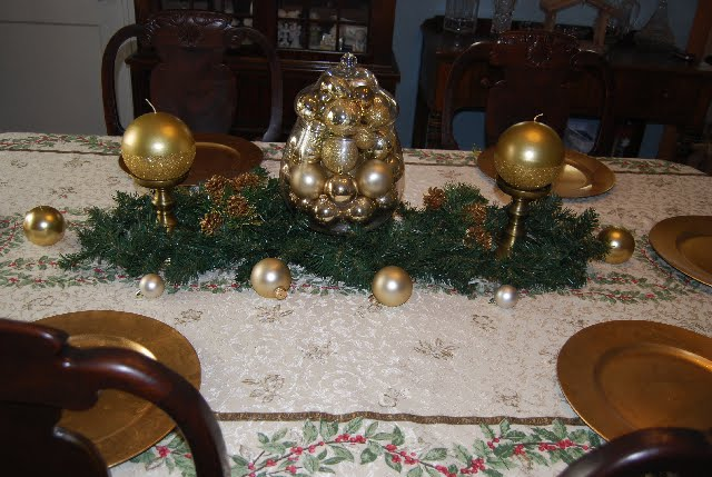 LEM Photography & Papercrafting: Christmas Decorating...