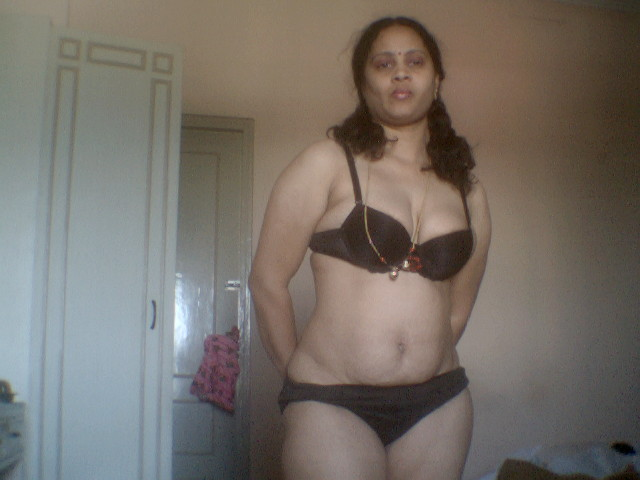 mallu aunties hot images hot hot aunty in honeymoon u will never see