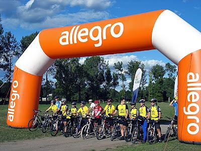 Rowerzyści z AKTR Cyklista