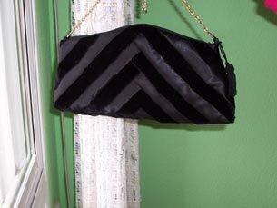 [bolso+negro+de+terciopelo+2.jpg]