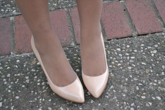 sacramento office fashion blogger angeline evans the new professional enzo angiolini pumps hue nude fishnets