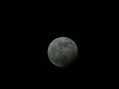 Η μερική έκλειψη σελήνης όπως φάνηκε από το Αγρίνιο