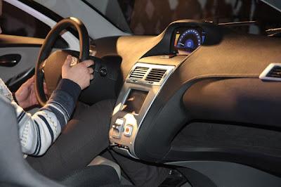 Русский гибридный автомобиль Ё-мобиль