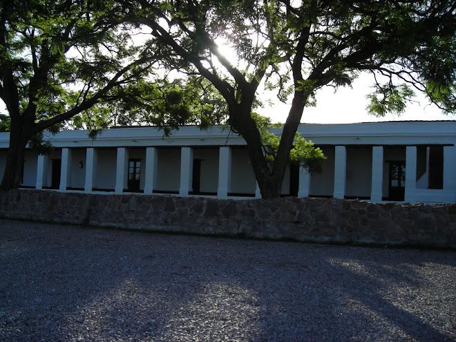 Posta de Sinsacate, galería de habitaciones, frente. Córdoba, Argentina