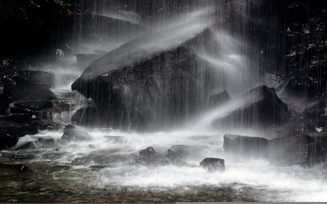 http://2.bp.blogspot.com/_73V46nanvWc/TLXyvoA0AKI/AAAAAAAAAs4/gcbyAOI2VJE/s1600/hujan.jpg