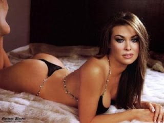 Jennifer Lopez nude: Carmen Electra nude