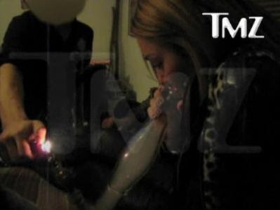 Miley Cyrus Bong Video | Miley Cyrus smoking salvia | billy ray cyrus twitter