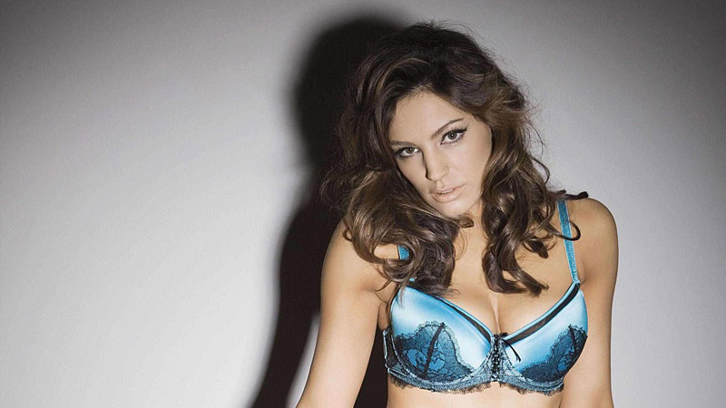 kelly brook, ultimo ligerie, photoshoot