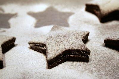 biscotti, cioccolato, lamponi